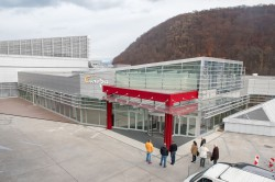 OC Europa Banská Bystrica-střešní světlíky, hliníkové fasády, okna a dveře